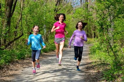 Hvor meget motion har børn egentlig brug for og hvorfor?