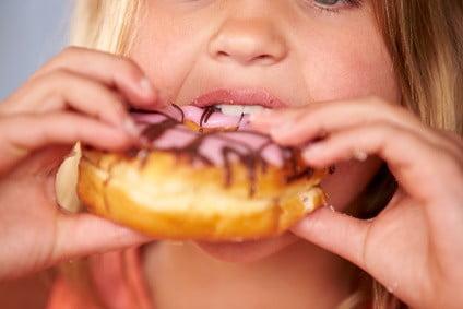 Grunde til overvægt blandt børn og børns behov for motion gennem barndommen.